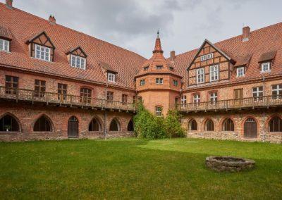 Abtei Innenhof - Foto Gisbert Rode verkleinert (640x427)